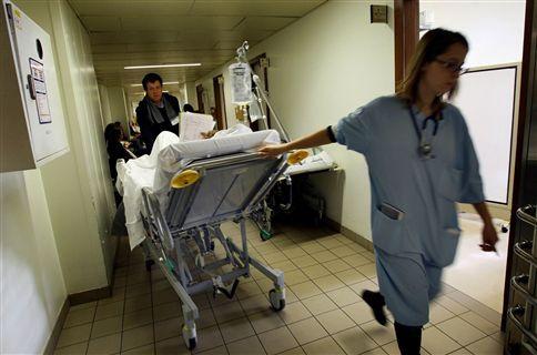 dos lares de idossos para as urgencias hospitalares